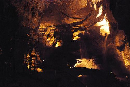 Dan-Yr-Ogof's Caves 09.jpg