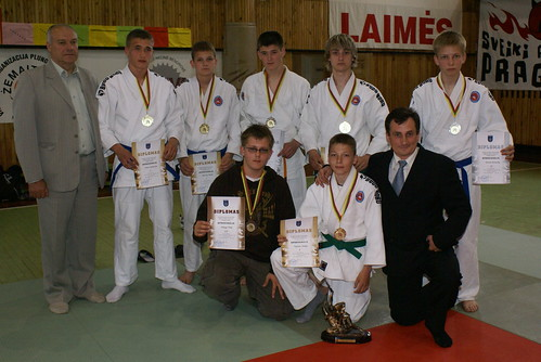 Jaunių komanda