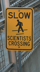3533206202 e2377e04e6 m vorsicht verrückte Wissenschaftler?