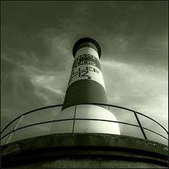 El Guia (m@tr) Tags: bw lighthouse france blancoynegro canon faro monocromo aude portlanouvelle canoneos400ddigital elguia languedocroselln mtr sigma1020mmexdc marcovianna imagenesdefrancia fotosdefrancia 100andromeda50