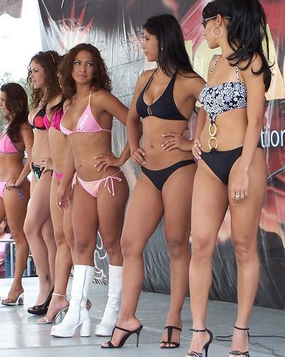 Edecanes en Bikini