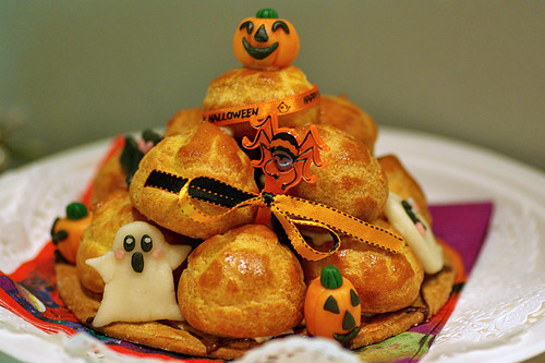 Halloween cream puff tower