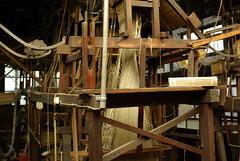 打ち捨てられた手織り機