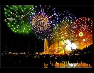 Genève Fireworks .Fêtes de Genève.2007:08:11 22:56:06 .
