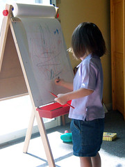 Laurel at the new-to-her easel