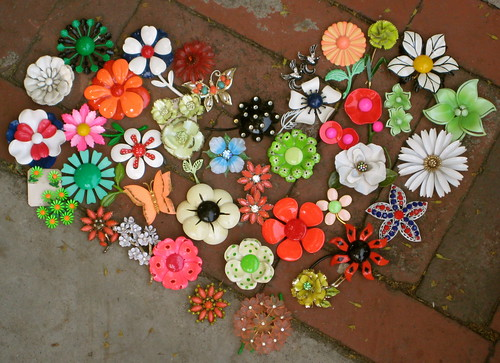 vintage enamel flower pins brooches.