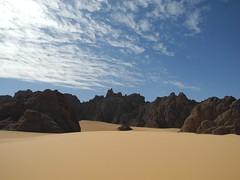 Chad Tibesti NE (ursulazrich) Tags: tschad chad ciad tchad sahara tibesti afrika africa afrique wolken clouds mountains rocks hills sand dunes