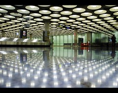 Baggage hall (louisetolman) Tags: madrid hall airport baggage barajas