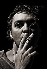 Fumando espero... (www.jordiarmengol.net (Xip)) Tags: portrait retrato xip concha ferran fdlsecd ostrellina kddq kqueralbs ferranj retratojam