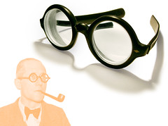 Spectacles, Le Corbusier style, 1930s (galessa's plastics) Tags: brazil history industry brasil vintage glasses design designer collection frame lecorbusier product spectacles materials histria industrialdesign esdi plastics consumerculture polymer productdesign plsticos materialculture designdeproduto polmeros desenhoindustrial celluloseacetate designhistory plasticsindustry classicplastics