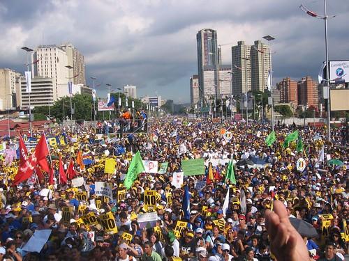 Avenida Bolívar en la marcha opositora