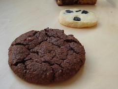 6 O'Clock: White Chocolate Chips Fudge Cookie