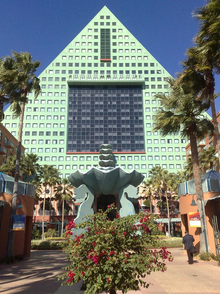 Dolphin Hotel, Disney World Florida