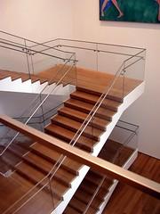 MoMA  Ampliacin 061027 (javier1949) Tags: ny newyork stairs arquitectura manhattan moma escalera museo escaleras peldaos