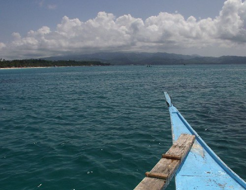 boating around Borocay