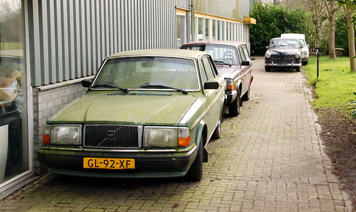 1981 Volvo 264 GL Overdrive in the front. 1966 Volvo 121 in the back