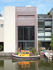 Borneo - Amsterdam (Fabio Garzaro) Tags: house holland home amsterdam river boat casa barca fiume barche case fabio borneo olanda quartiere garzaro fabiogarzaro