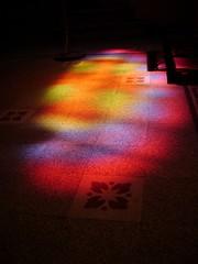 reflejo divino (Marisali) Tags: church entreros prayer iglesia victoria altar santos reflejo virgen templo vitraux rezar mosaicos vitrales arnzazu
