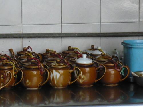 teapots-2