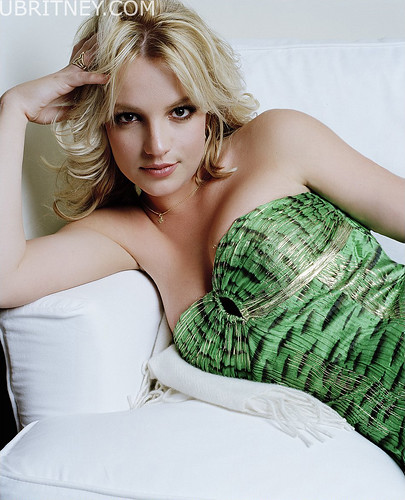 Britney Spears in Sexy Pose