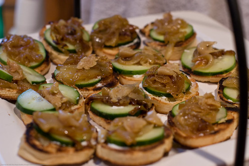 Thanksgiving 2007: crostini with cukes and caramelized onions