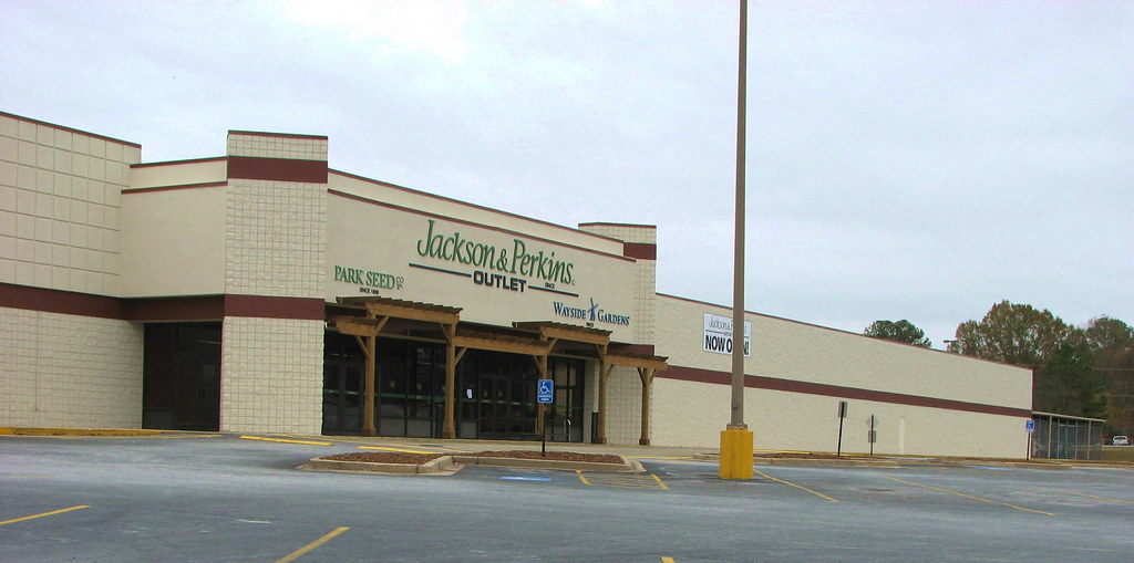 The New Jackson & Perkins Outlet Store