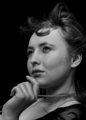 wiewiórka zamyślona ([   x   ]) Tags: portrait woman nikon d70s x cb artisticexpression nikonstunninggallery anawesomeshot aplusphoto fiveflickrfavs