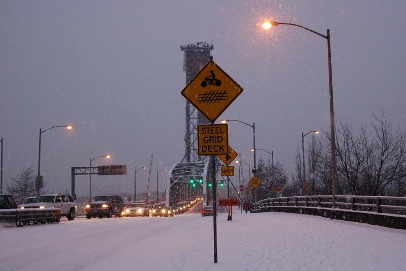 DSC_0025_hb_steel_bridge_deck_sign