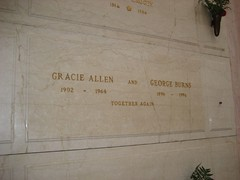 Gracie Allen & George Burns. (02/10/2008)