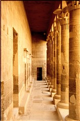 """EG 00 Tempio di Philae 2 • <a style=""""font-size:0.8em;"""" href=""""http://www.flickr.com/photos/49106436@N00/2449281892/"""" target=""""_blank"""">View on Flickr</a>"""