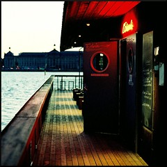 rive droite (filtran) Tags: restaurant bordeaux olympus garonne zuiko 50mmf14 om2n fujicolorpro800z lestacade
