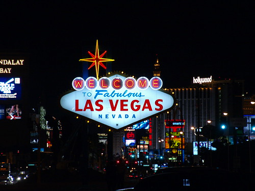 welcome to las vegas sign at night. Las Vegas Nevada taking photo