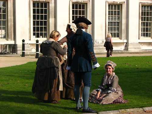 sentada Keira Knightley La Duquesa