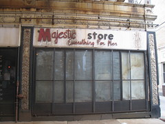 Majestic Store - Uptown - Chicago (Mark 2400) Tags: chicago men leland store broadway uptown majestic