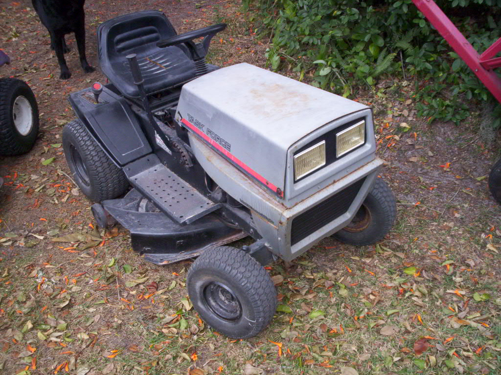 Hechinger badged MTD lawn tractor    - MyTractorForum com