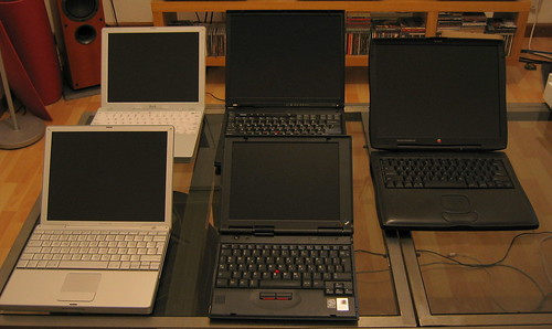 Apple Notebook and IBM Thinkpad