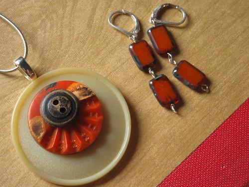 button pendant + earrings