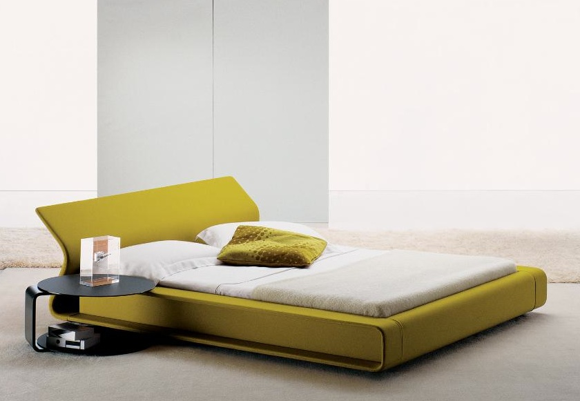 MOLTENI & CO - CLIP bed by Patricia Urquiola