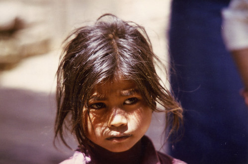 NEPAL Little Girl 01