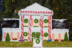 BX820 Gingerbread House (listentoreason) Tags: christmas food usa holiday america canon dessert unitedstates pennsylvania favorites places event gingerbreadhouse peddlersvillage ef28135mmf3556isusm score25