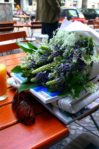 breakfast with flowers...