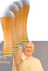 Papst und Bier