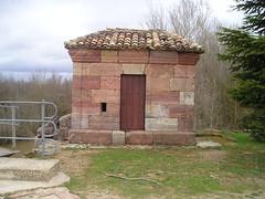 Canal de Castilla (Palencia). Caseta 2ª retención Herrera (rabiespierre) Tags: palencia caseta canaldecastilla esclusa