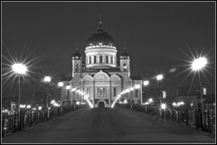 The way to the Temple /    (elephantr) Tags: bw church christ cathedral russia moscow orthodox savior cokin     star16