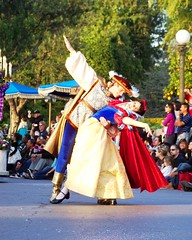 Christmas Fantasy Parade (SDG-Pictures) Tags: show california christmas fun happy disneyland joy performance happiness prince parade explore southerncalifornia orangecounty anaheim snowwhite enjoyment themepark disneylandresort disneyparade disneythemeparks disneyparades achristmasfantasyparade november232007 themeparkfun takenbystepheng