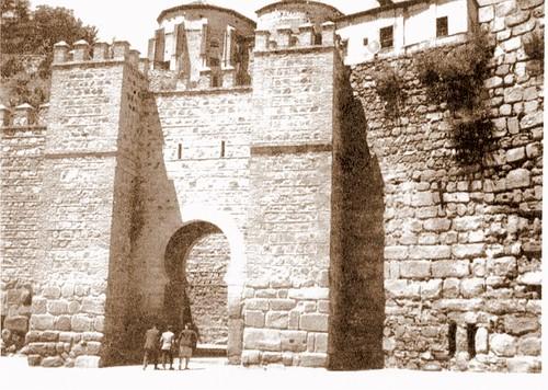 Puerta de Alcántara tras la restauración