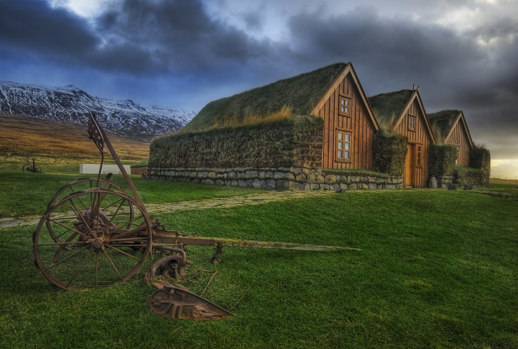 The Grassy Roof in the Central Icelandic Farms