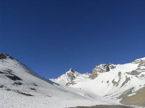 Going up to Thorong-La
