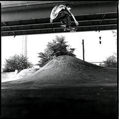 FLOATING OFF THE PHOTO (darin pa) Tags: philadelphia nikon skateboarding ps jordan pa bronica darin hemingway vivitar fdr sqa 80mm sb28 285hv