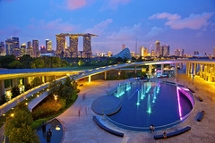 Singapore Marina Barrage (Kenny Teo (zoompict)) Tags: night landscape singapore marinabarrage pwpartlycloudy